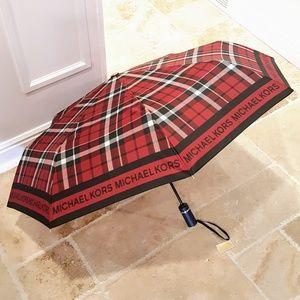 LAST One! 💕NWT Michael Kors Plaid Print Umbrella